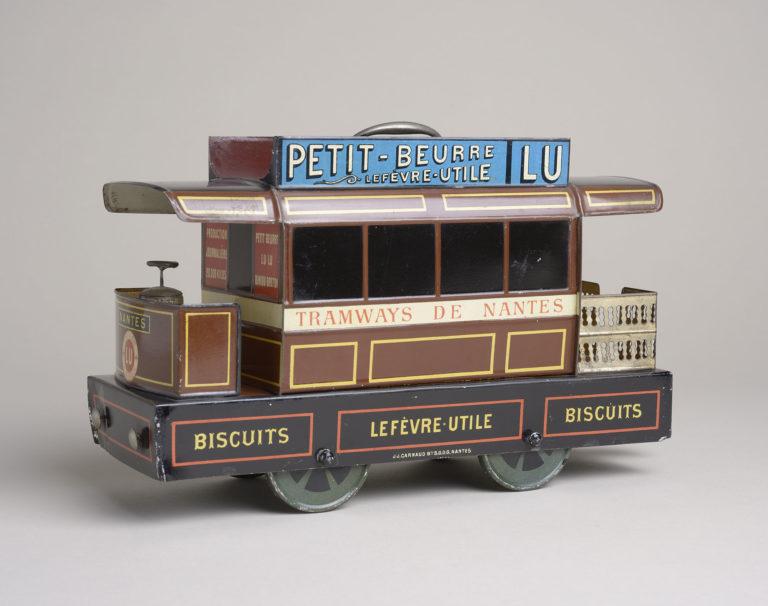 Boîte à biscuits en forme de tramway, vers 1898 Carnaud, Jules Joseph Fer blanc imprimé