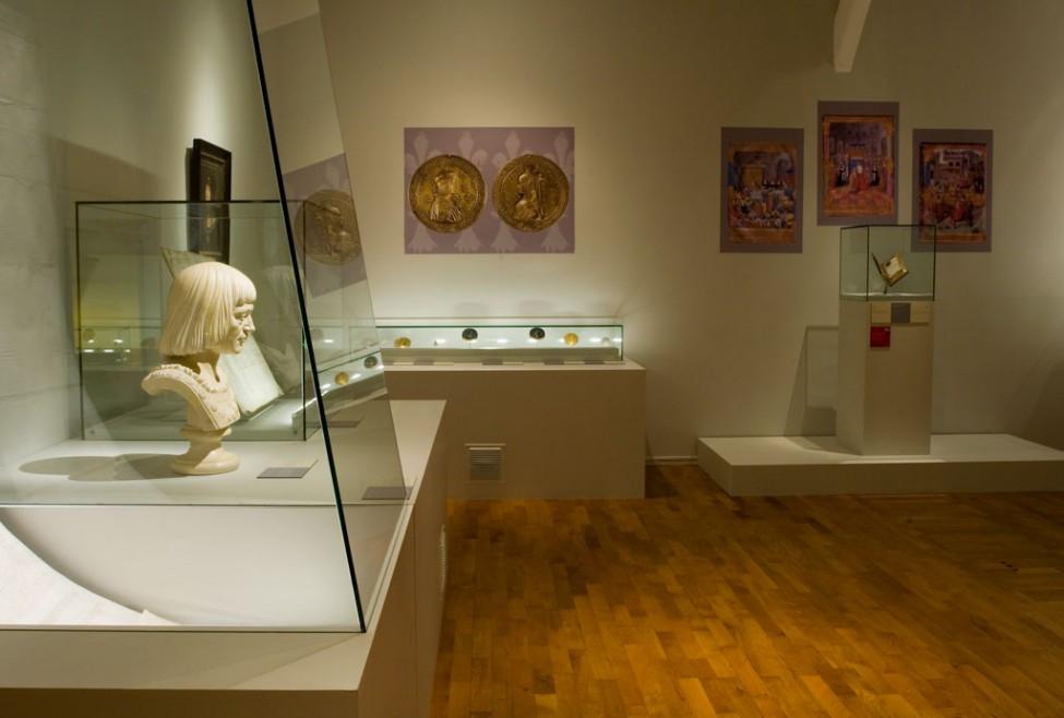 Scénographie de l'exposition Anne de Bretagne