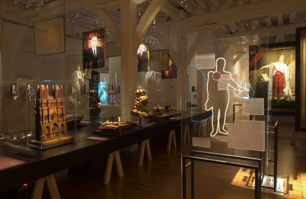 Scénographie de l'exposition Miroir mon beau miroir