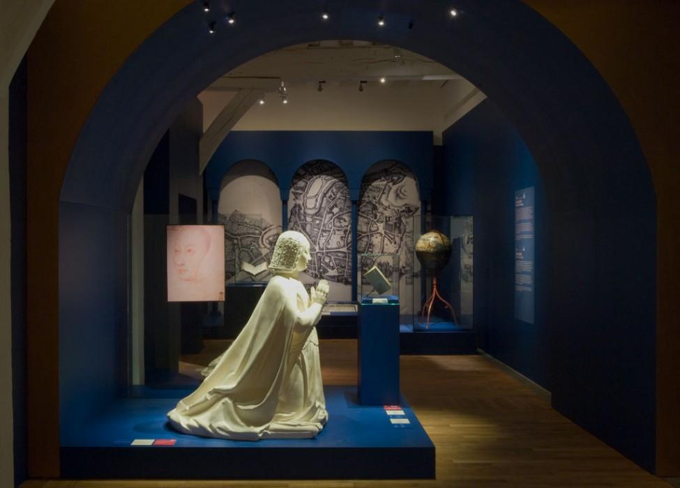 Scénographie de l'exposition Anne de Bretagne histoire d'un mythe